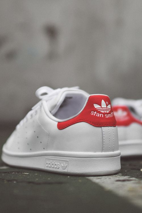 Обувь в базовом гардеробе, sneakers