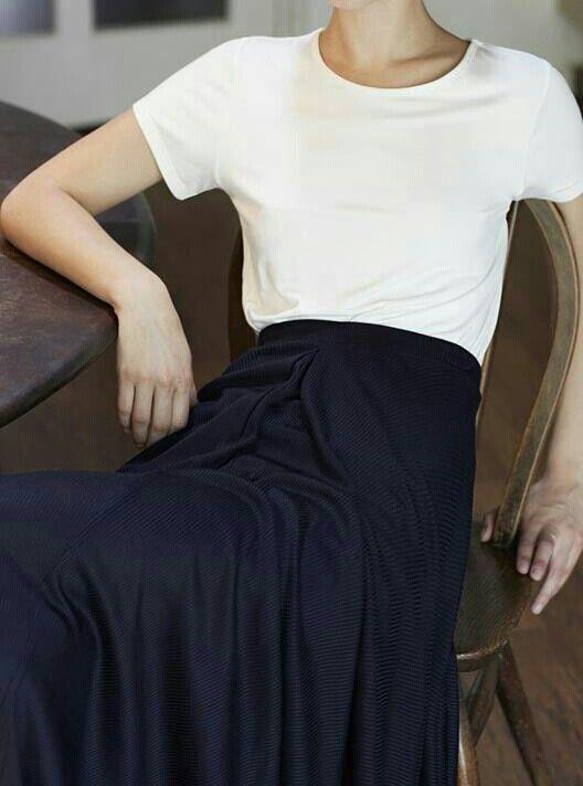 белая футболка, парижский базовый гардероб