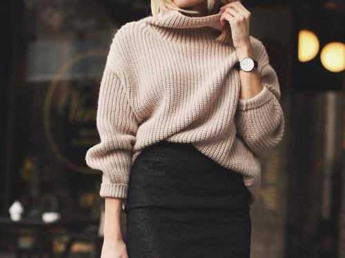 большой свитер, юбка карандаш