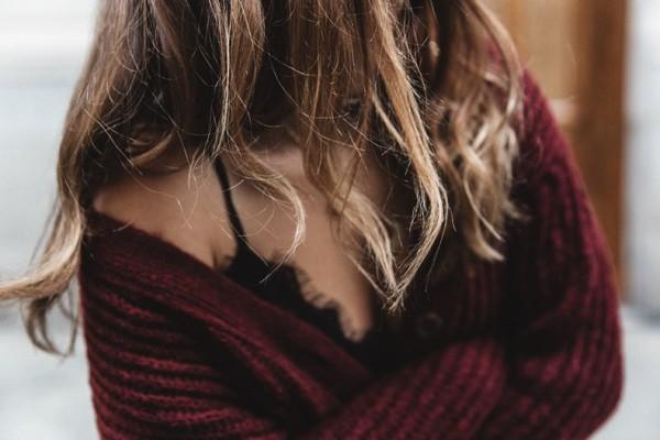 свитер, кружевное белье