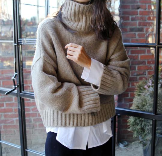 свитер, белая рубашка, слои