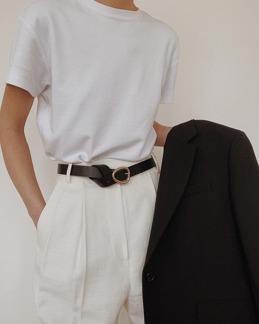 белая футболка в гардеробе 2020: как носить