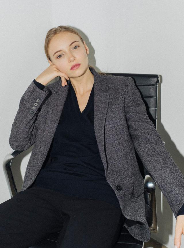 Девушка модель одежды на работу если на работе тебя хочет девушка